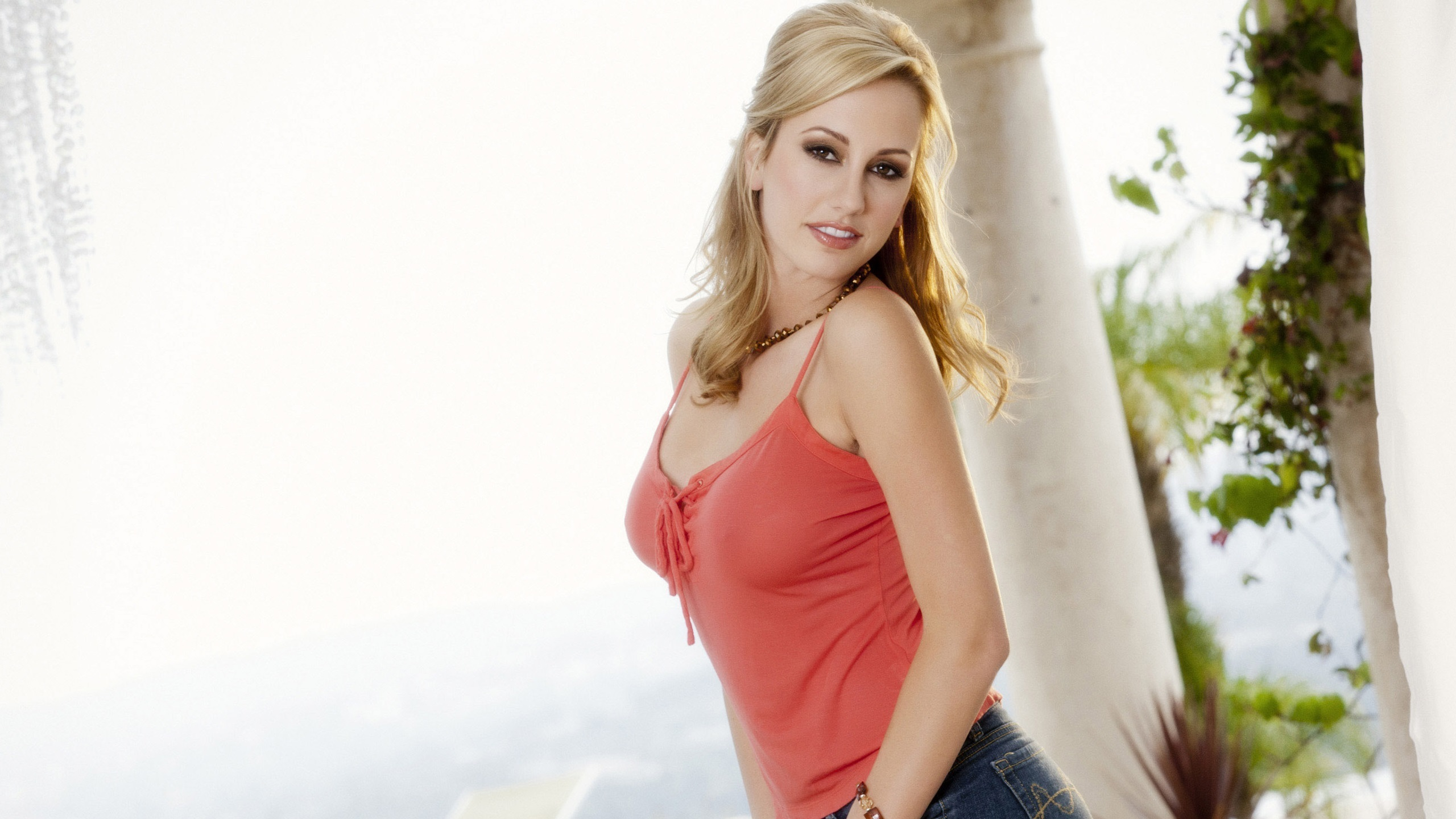 Brett Rossi Photos
