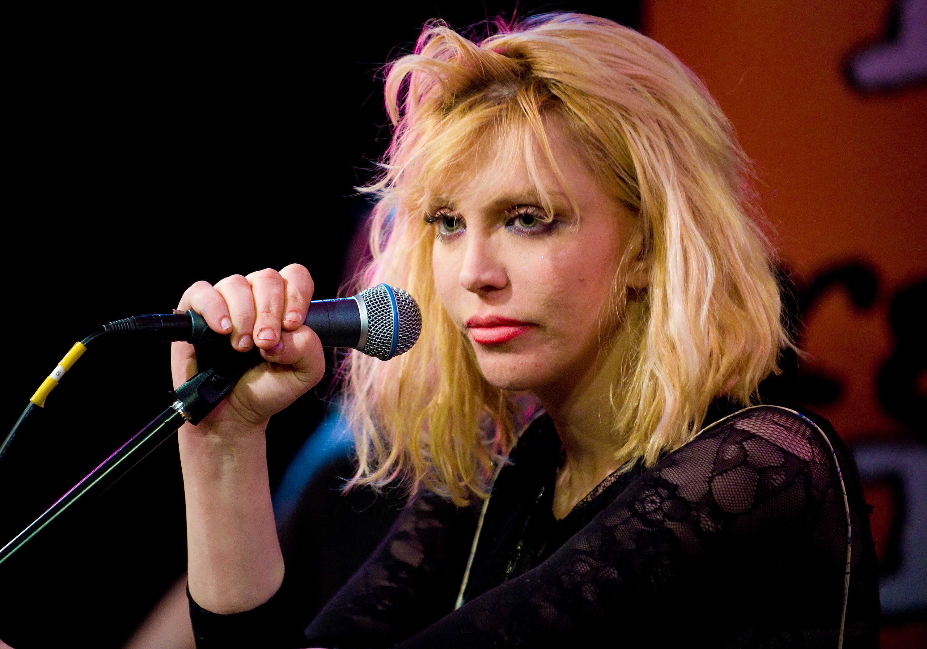 Courtney Love High Definition Wallpapers