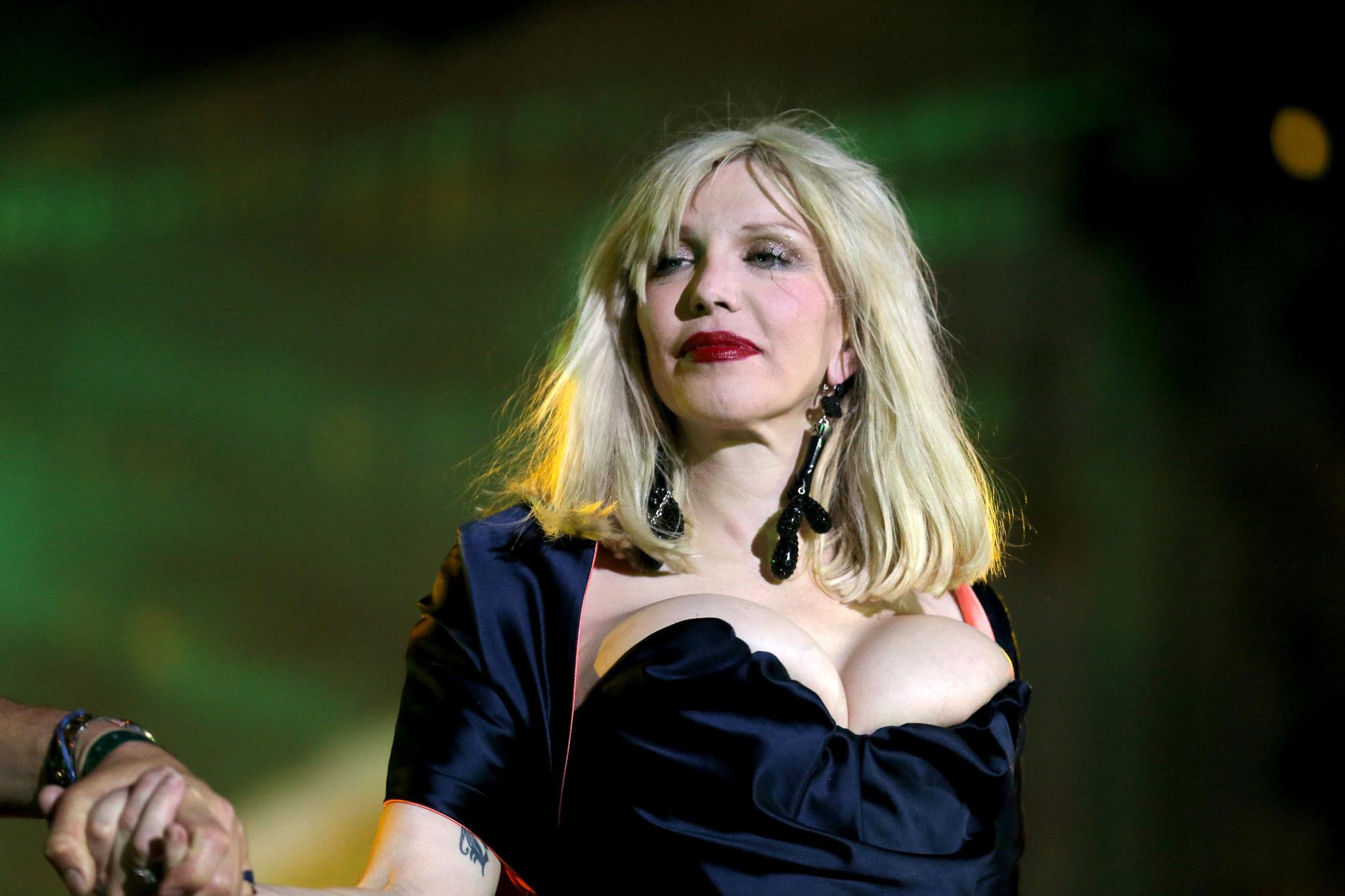 Courtney Love Widescreen