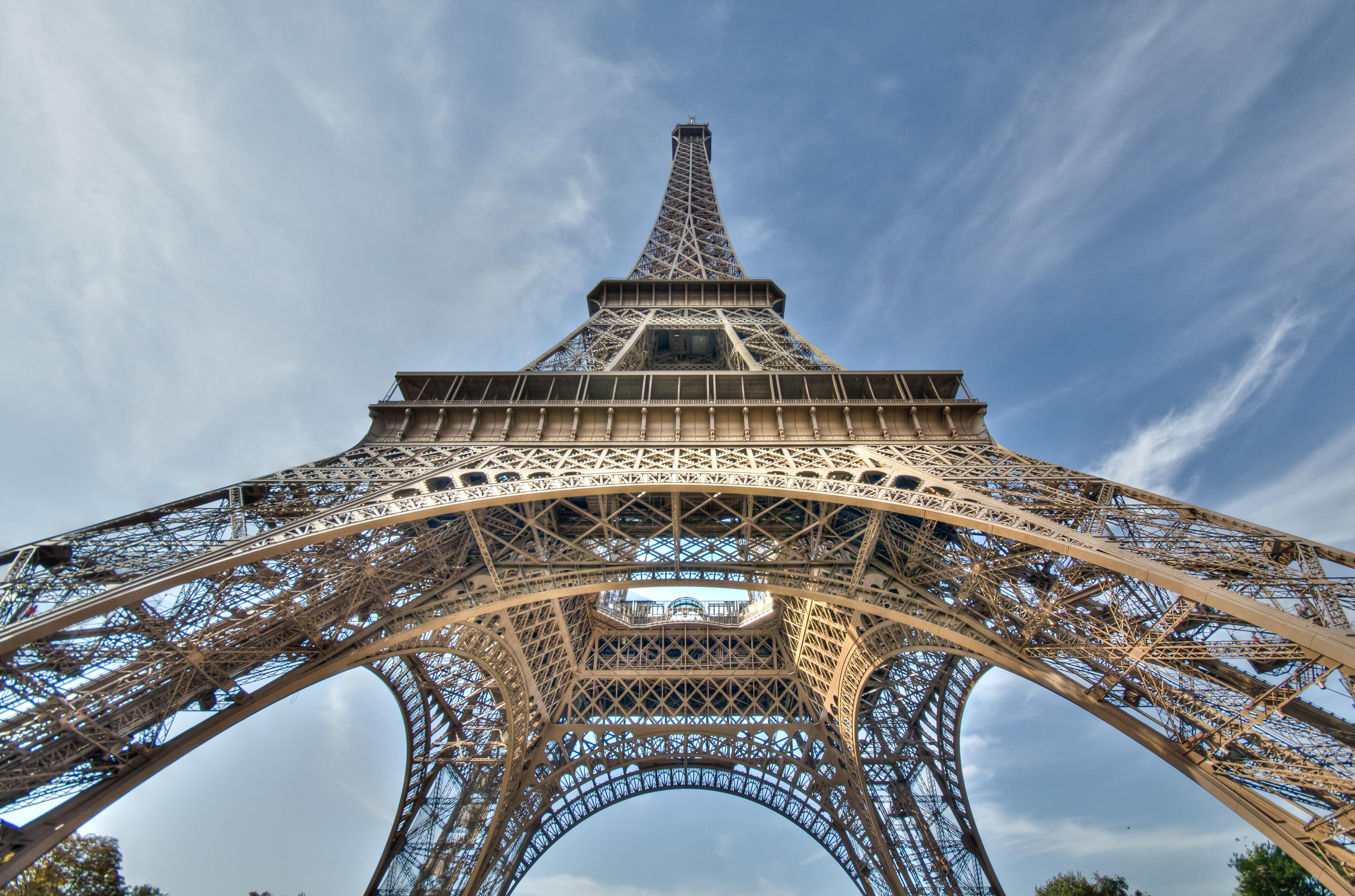 Eiffel Tower Widescreen