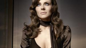 Elizabeth Hurley Toples