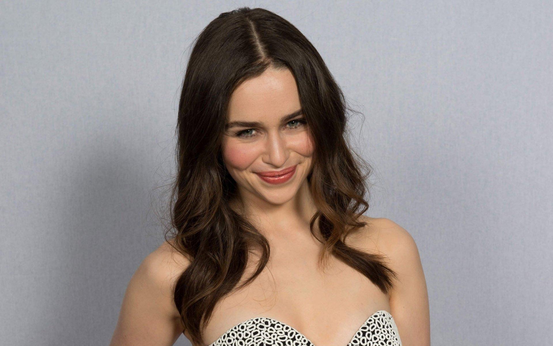 Emilia Clarke Images