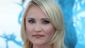 Emily Osment Hd Background
