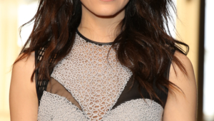 Emmy Rossum Iphone Background
