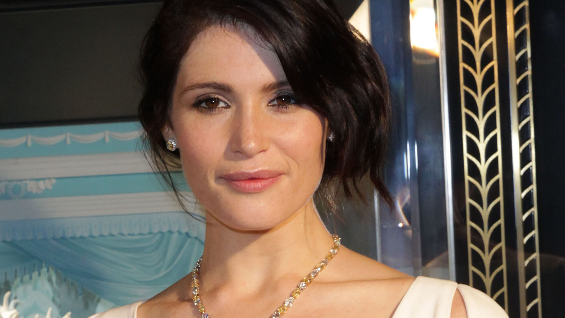 Gemma Arterton Sexy Wallpapers