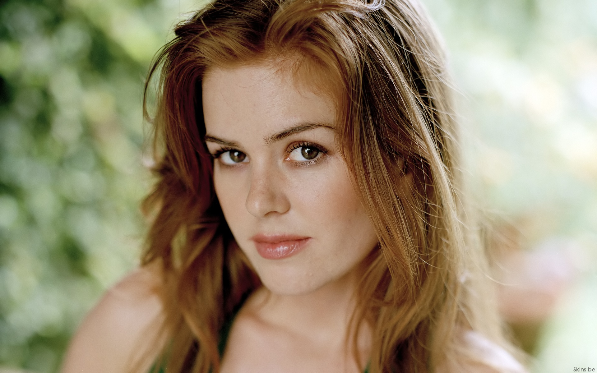Isla Fisher Makeup