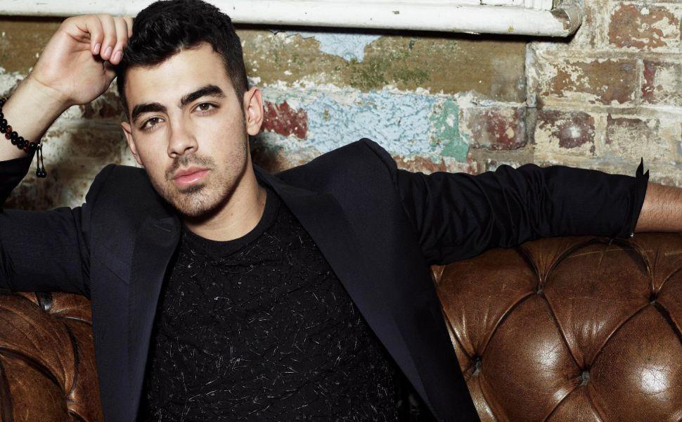 Joe Jonas Desktop