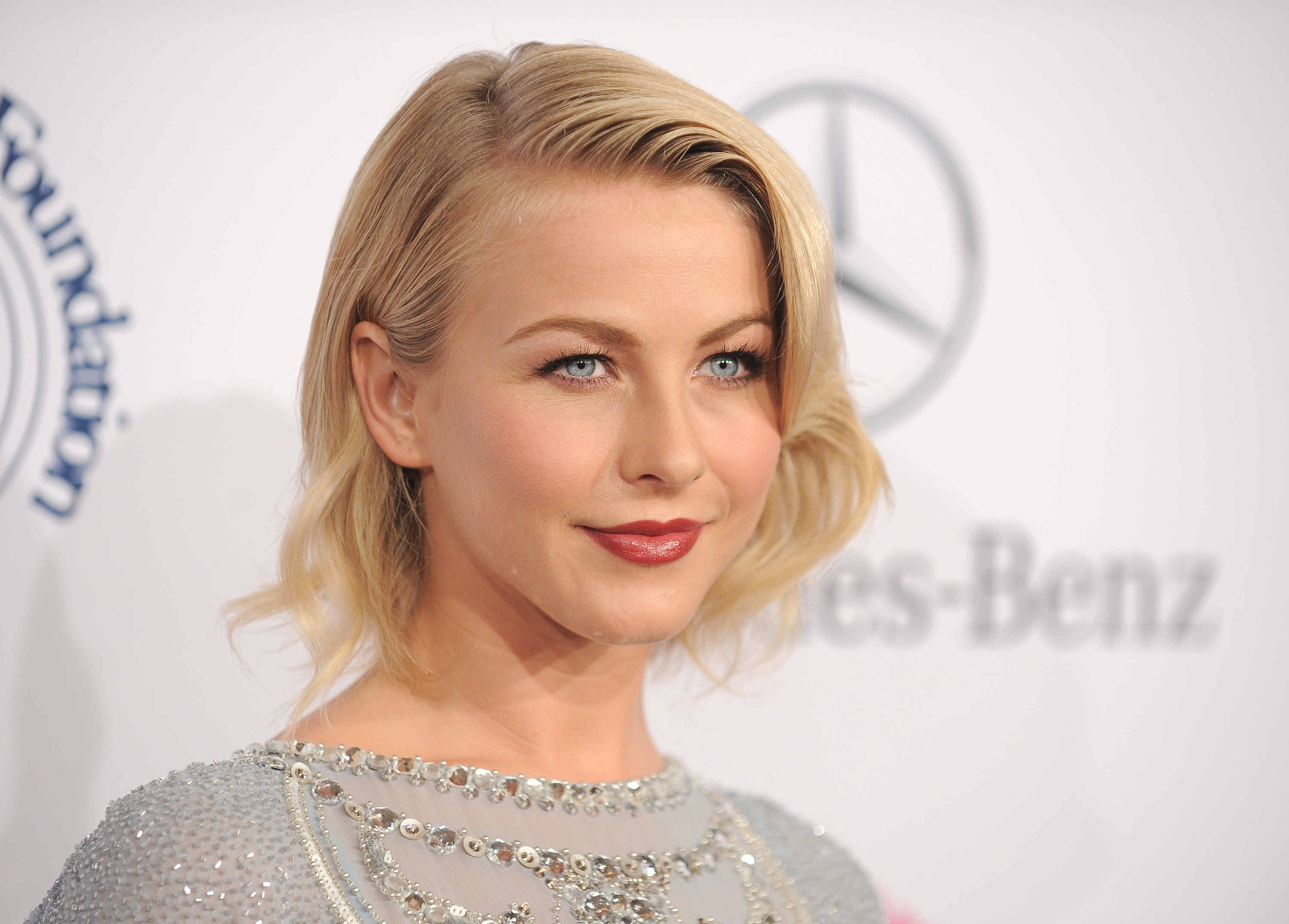 Julianne Hough Wallpapers And Backgrounds