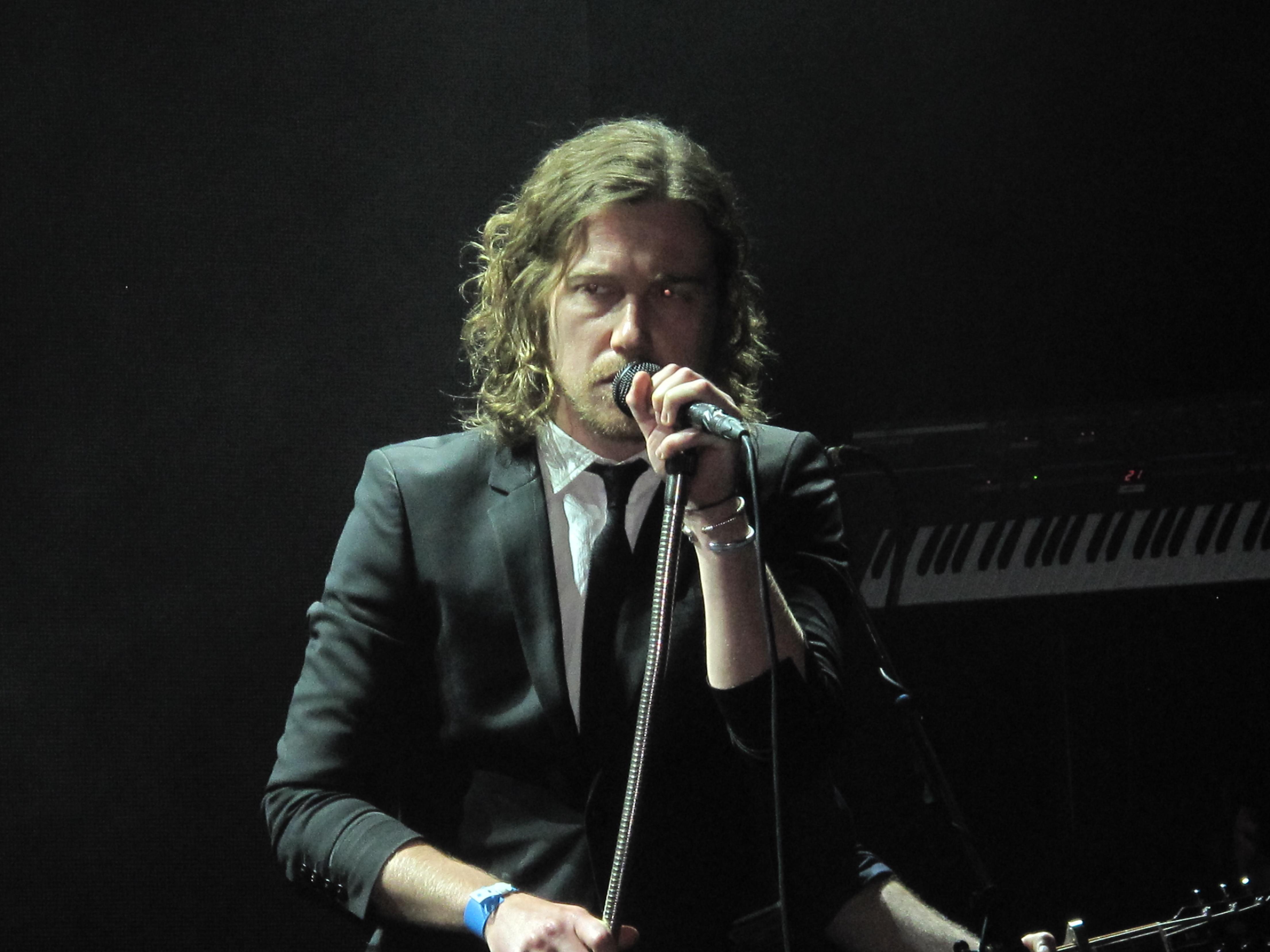 Julien Dore Widescreen