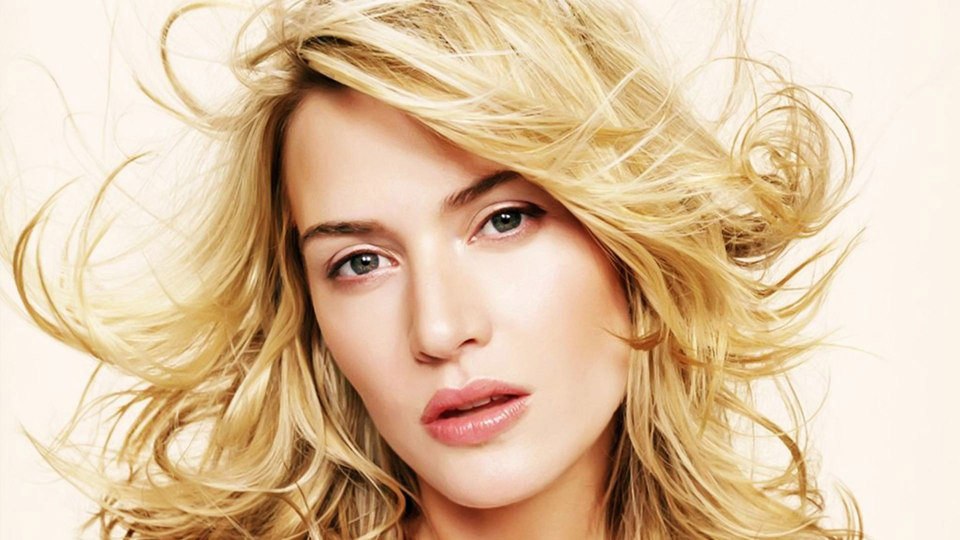 Kate Winslet Sexy Wallpapers