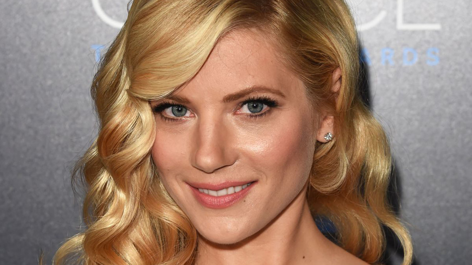 Katheryn Winnick High Quality Wallpapers