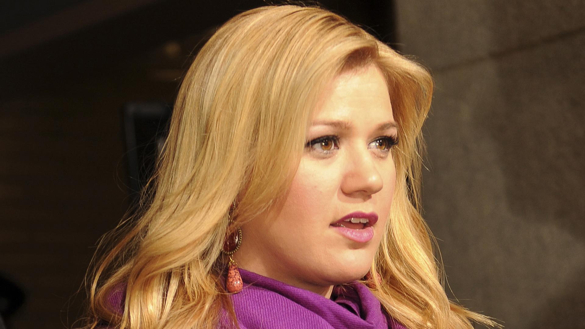 Kelly Clarkson Desktop