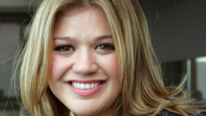 Kelly Clarkson For Desktop