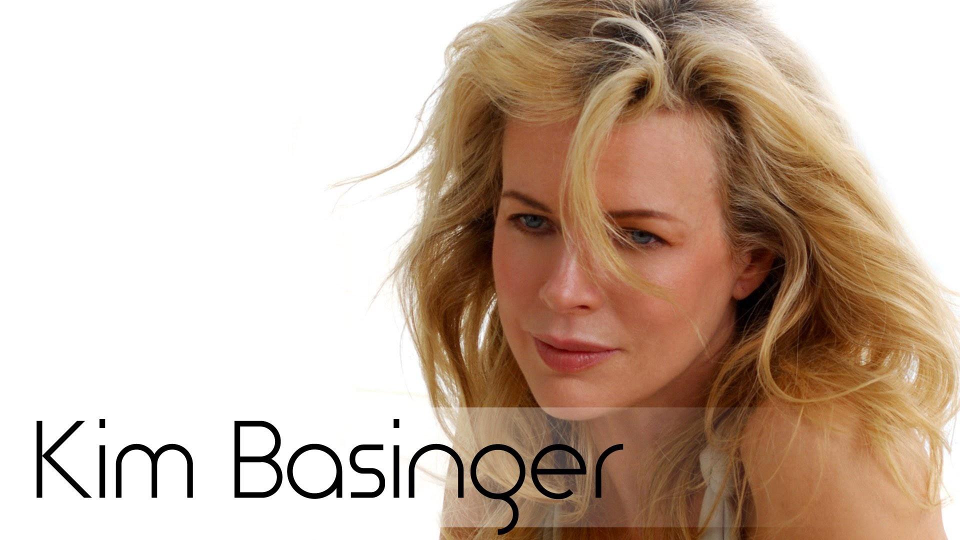 Kim Basinger Desktop