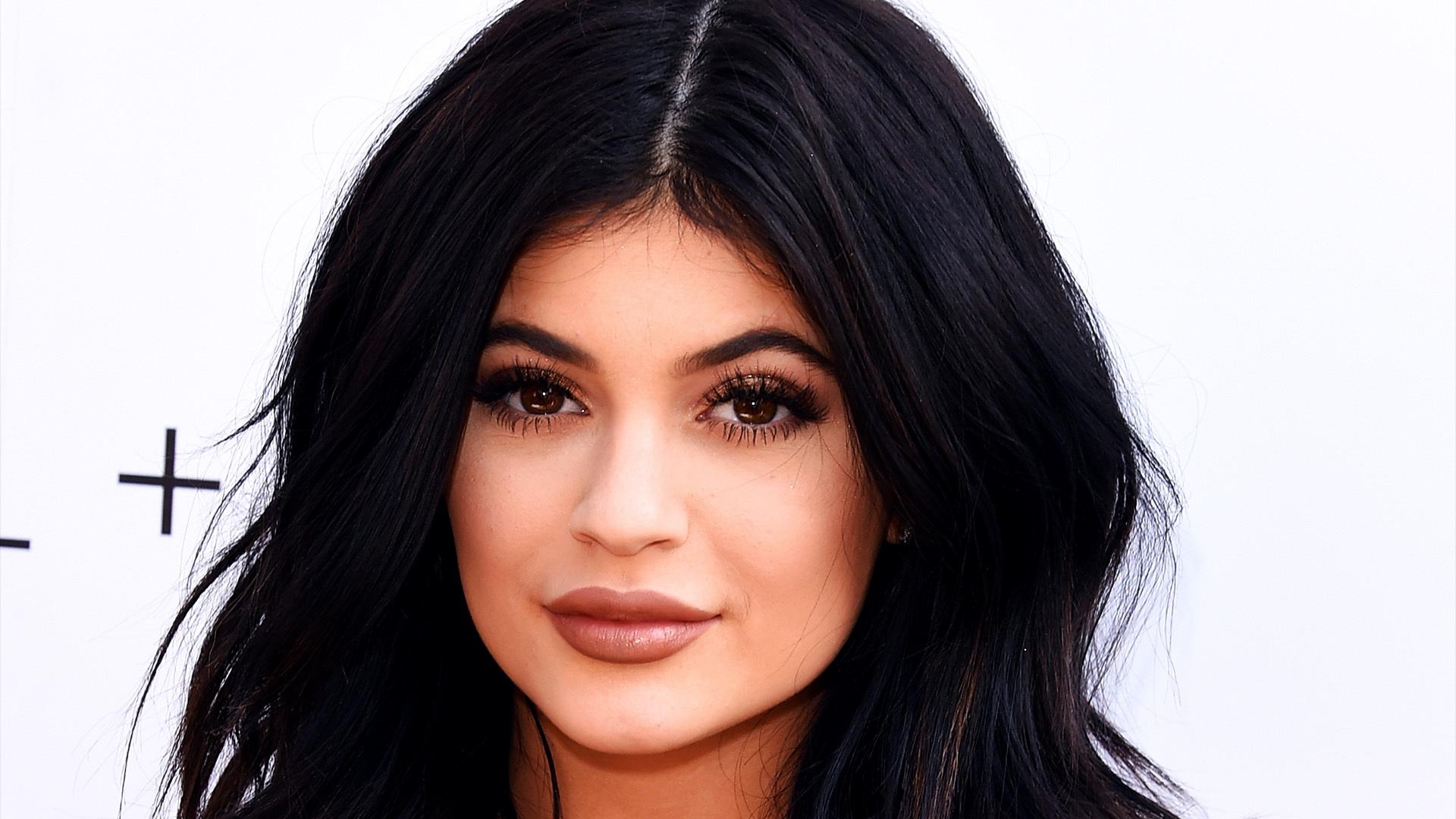 Kylie Jenner Computer Wallpaper