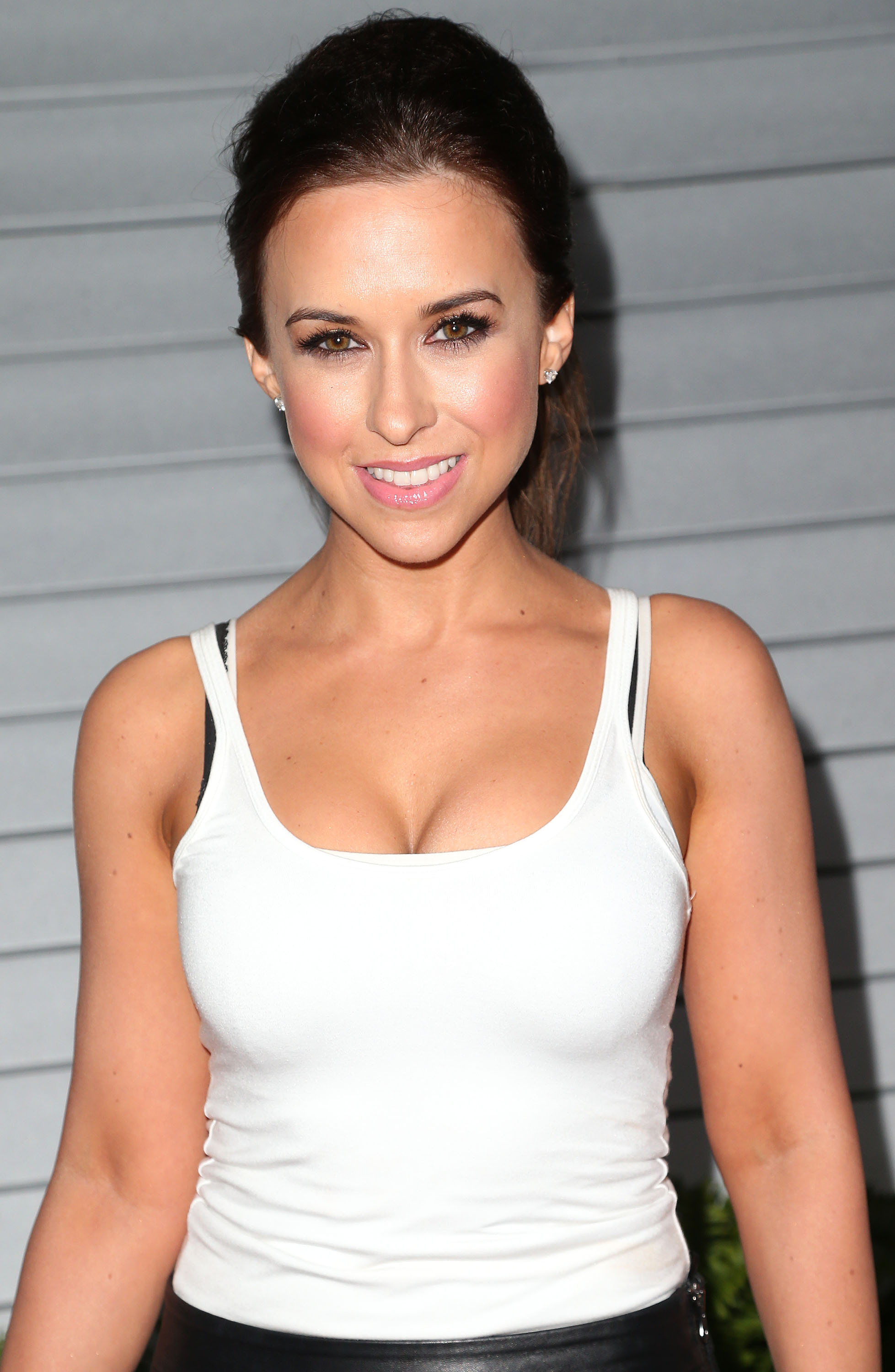 Lacey Chabert Desktop For Iphone