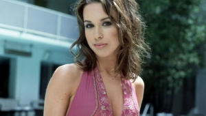 Lacey Chabert Hd Background