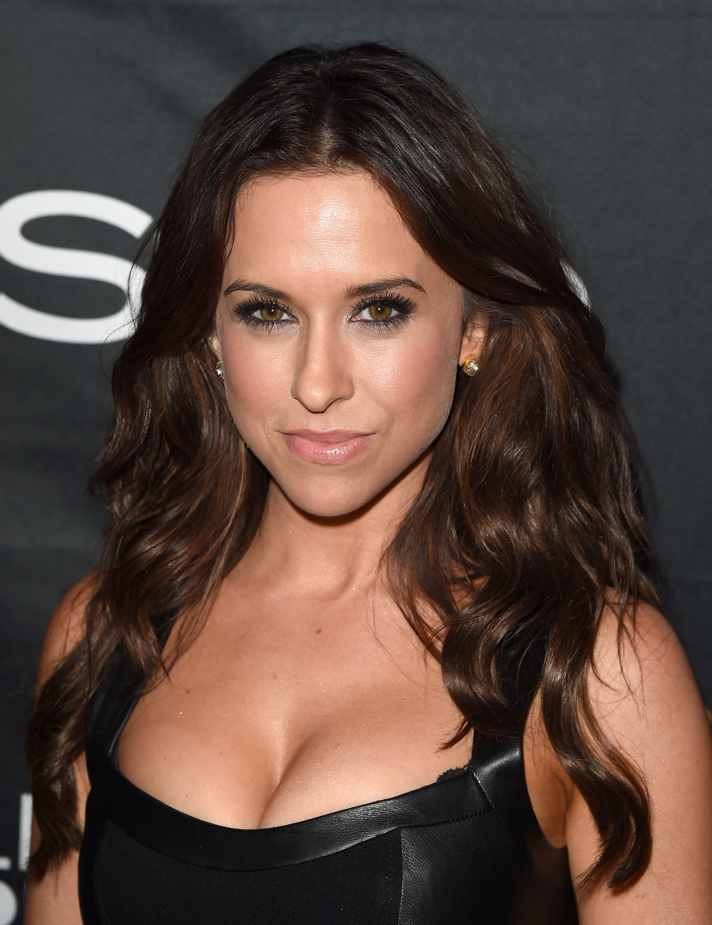 Lacey Chabert Iphone Wallpapers