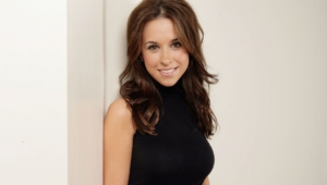 Lacey Chabert Sexy Photos
