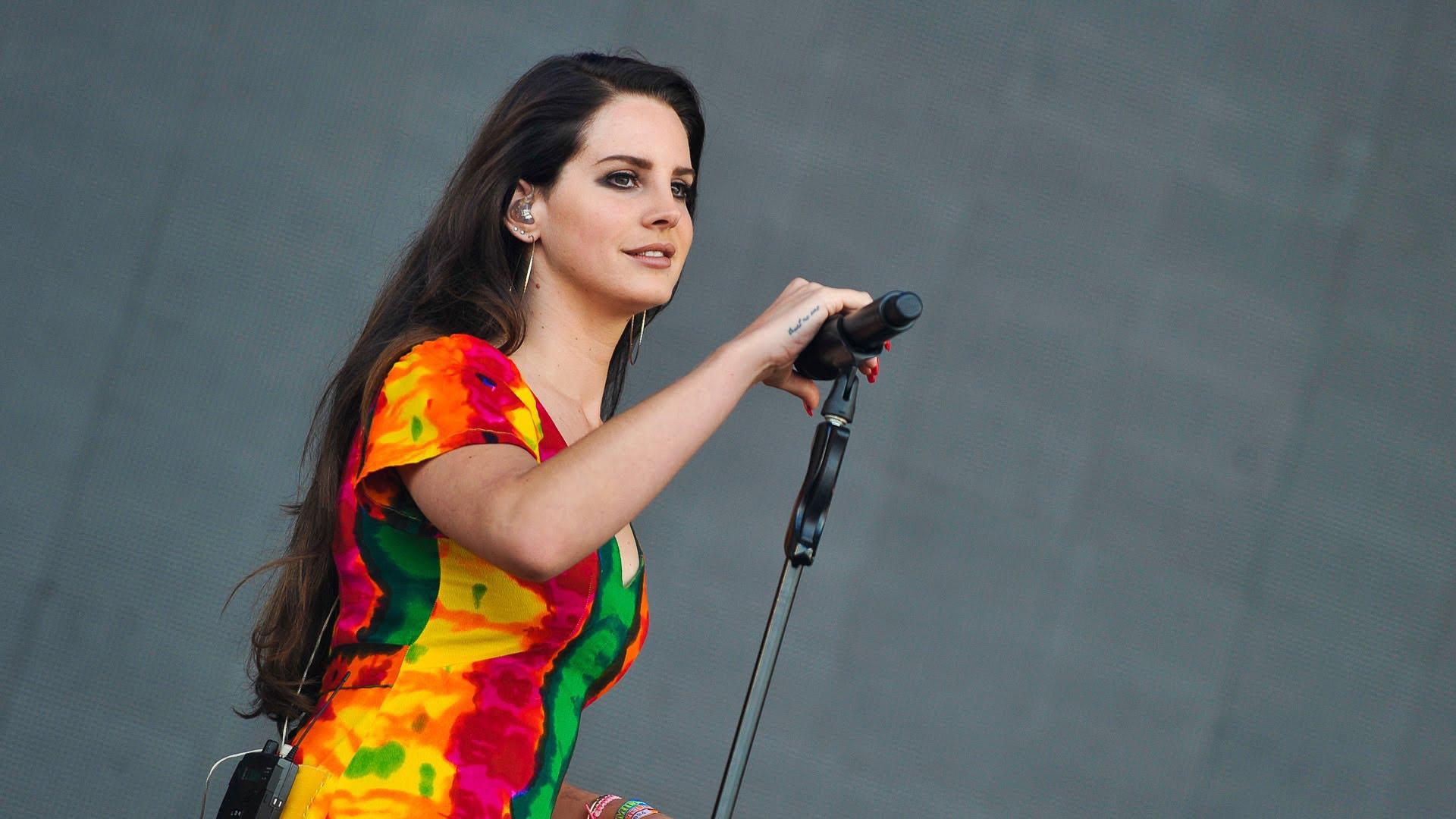 Lana Del Rey Sexy Wallpapers