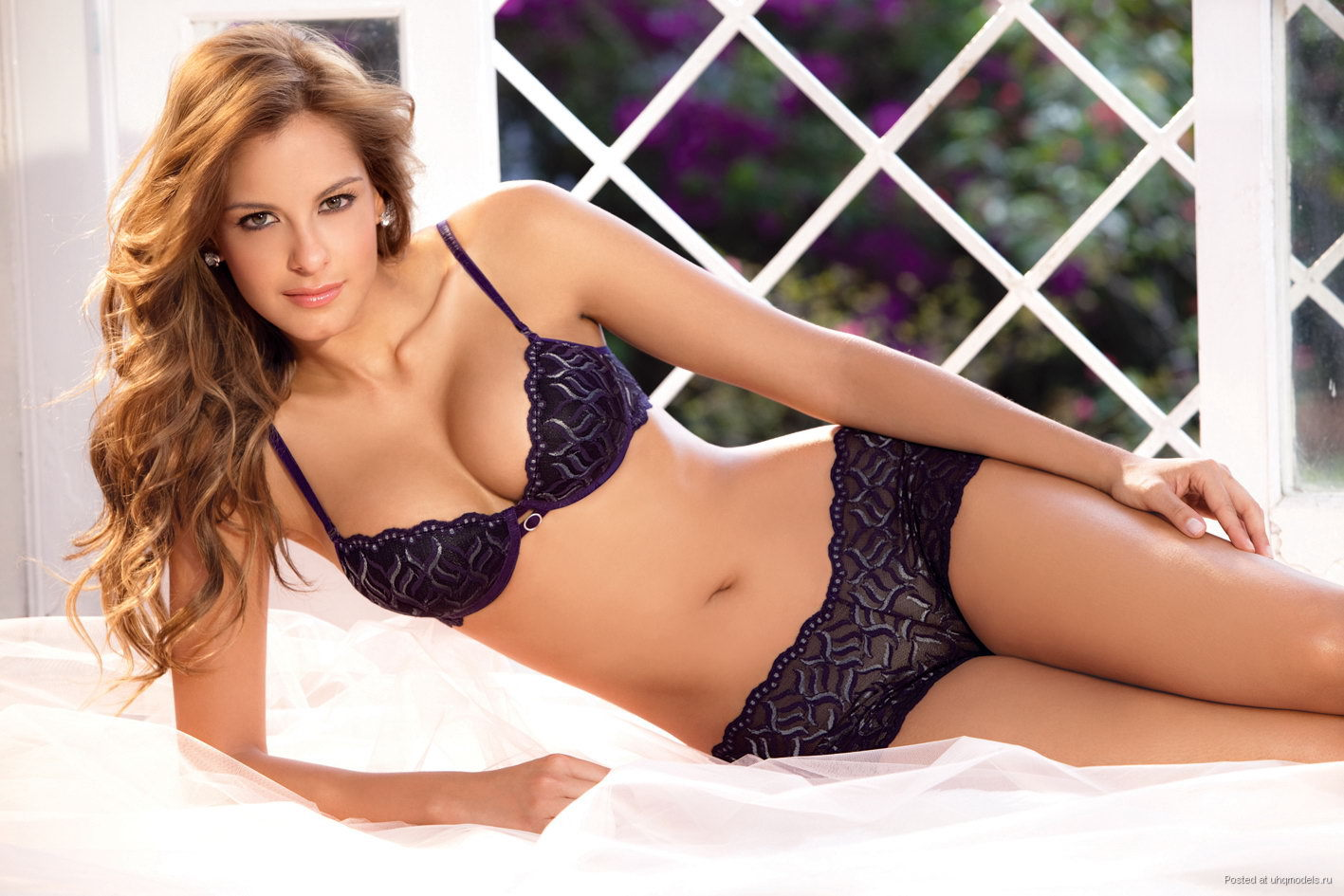 Laura Acuna High Definition Wallpapers