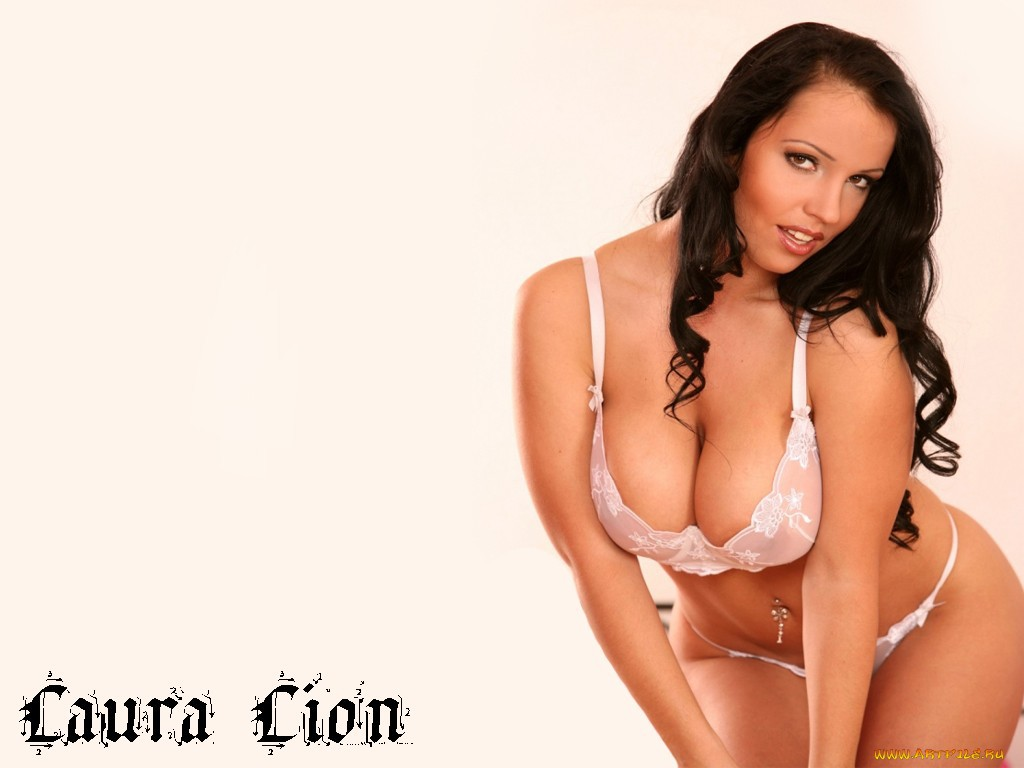Laura Lion Wallpaper