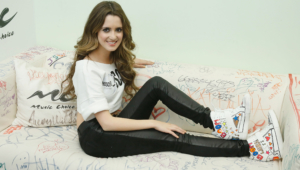 Laura Marano Hd Background