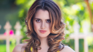 Laura Marano Widescreen