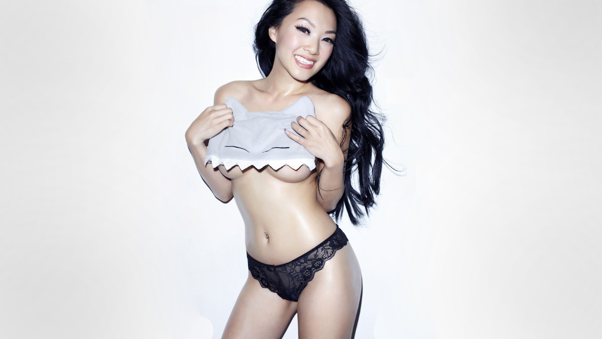 Linda Le Wallpapers And Backgrounds