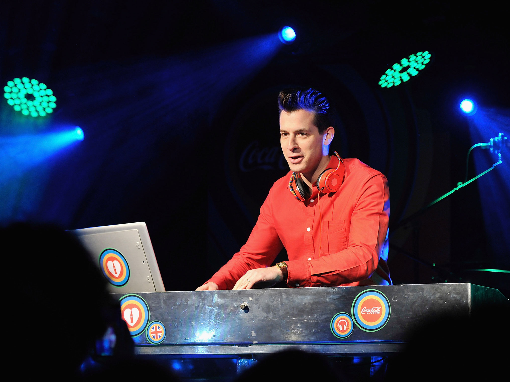 Mark Ronson Hd Background