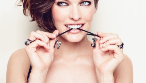 Milla Jovovich Iphone Sexy Wallpapers