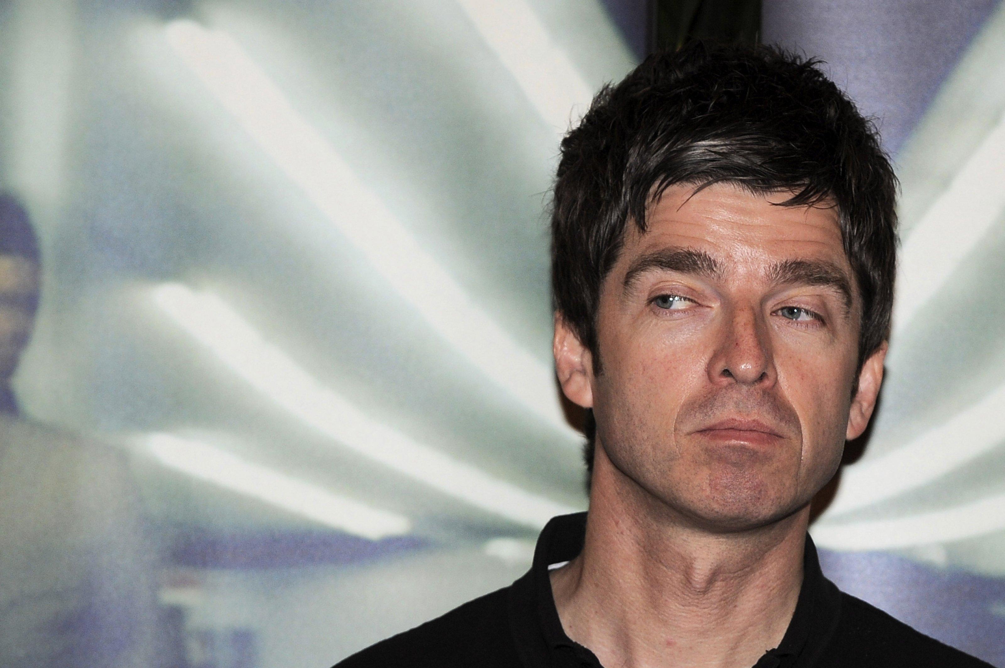 Noel Gallagher Computer Wallpaper