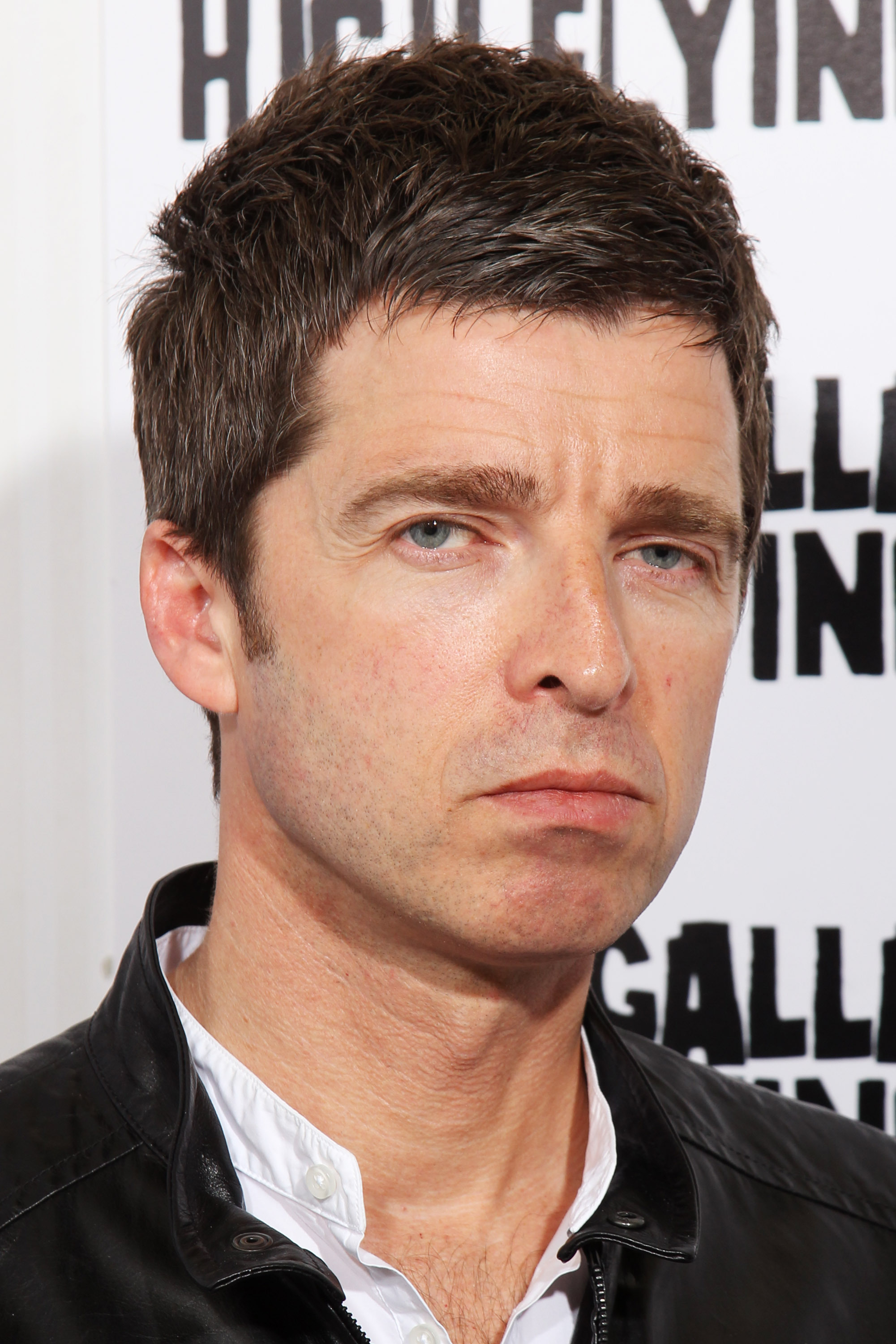 Noel Gallagher Iphone Wallpapers