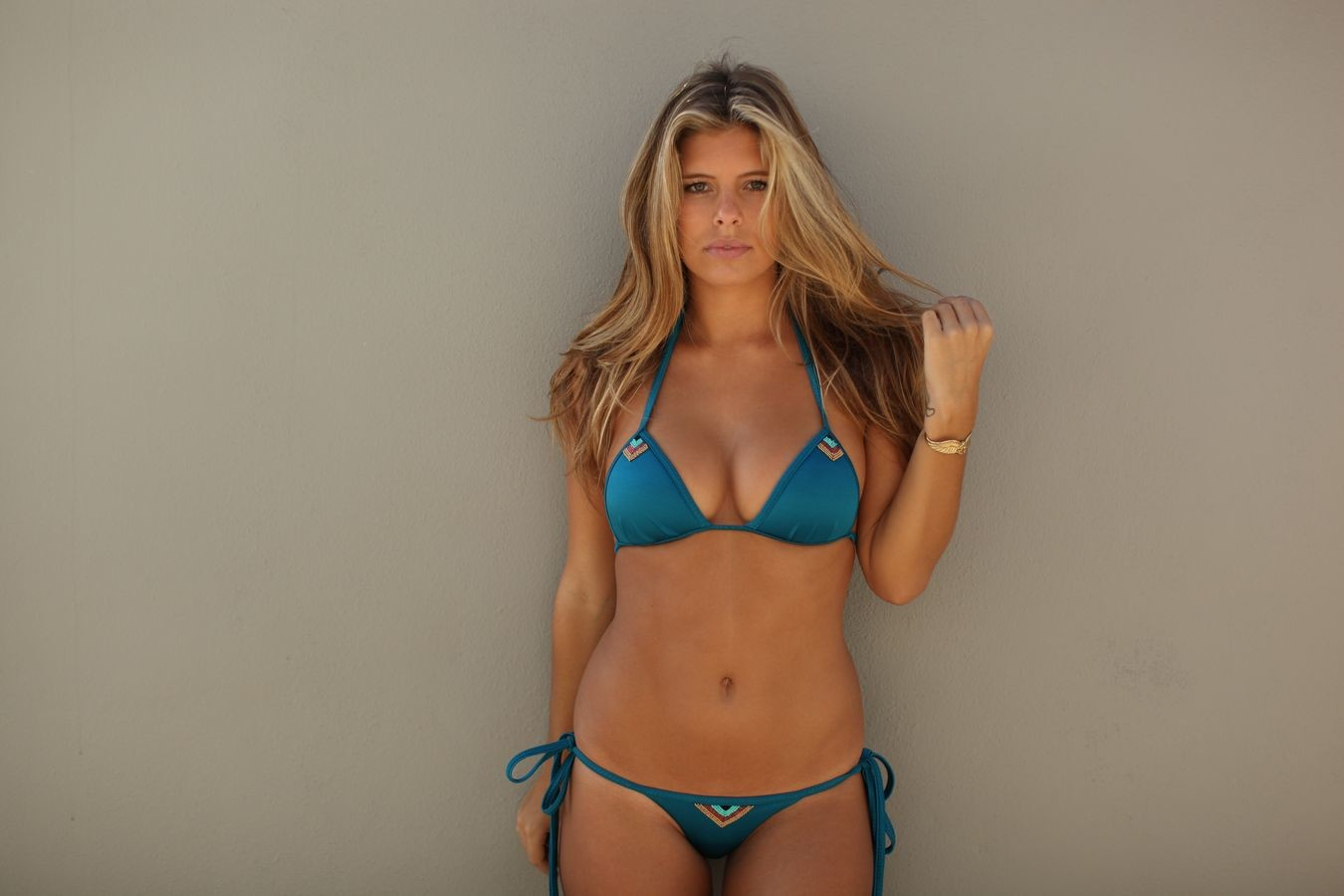 Pictures Of Natasha Oakley