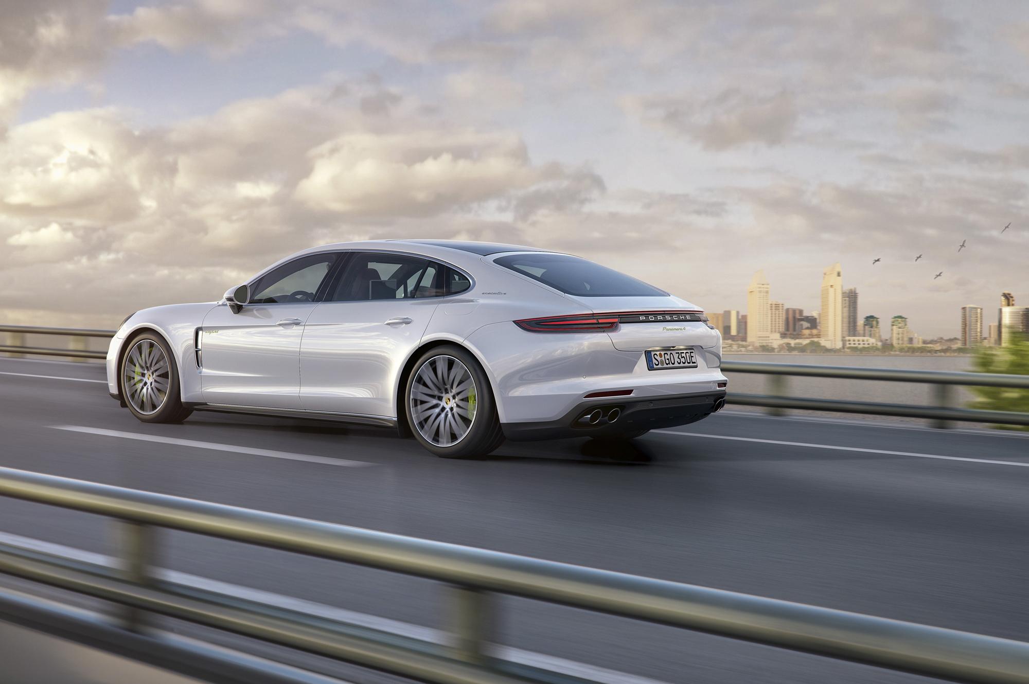 Porsche Panamera Executive Widescreen