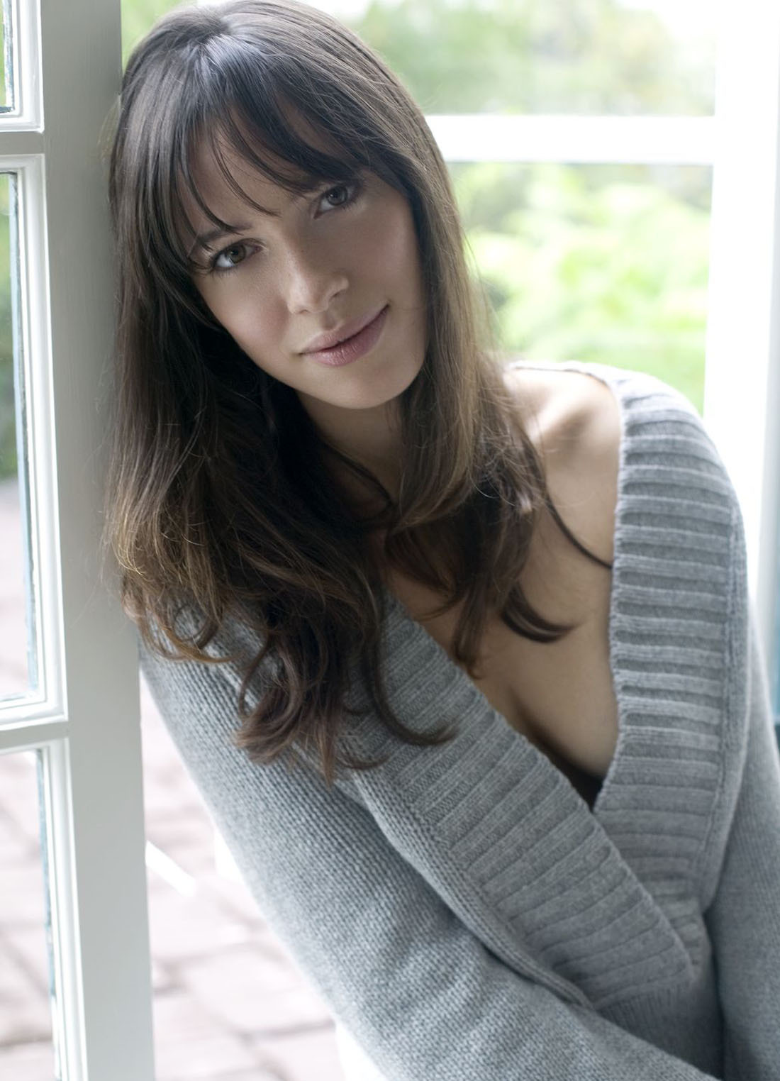 Rebecca Hall Iphone Sexy Wallpapers
