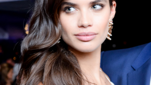 Sara Sampaio Iphone Wallpapers