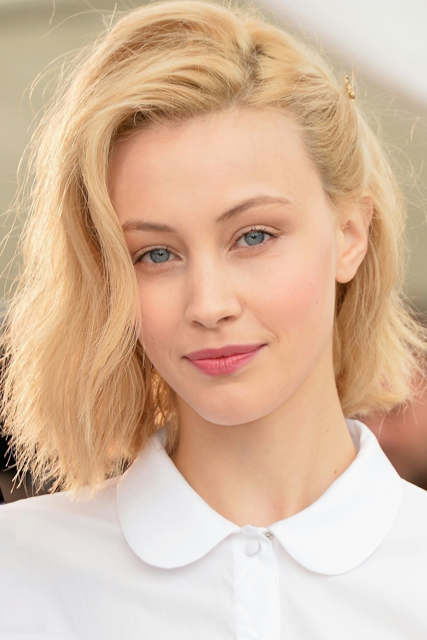 Sarah Gadon Wallpapers Images Photos Pictures Backgrounds