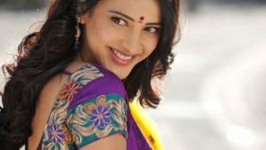 Shruti Hassan Background