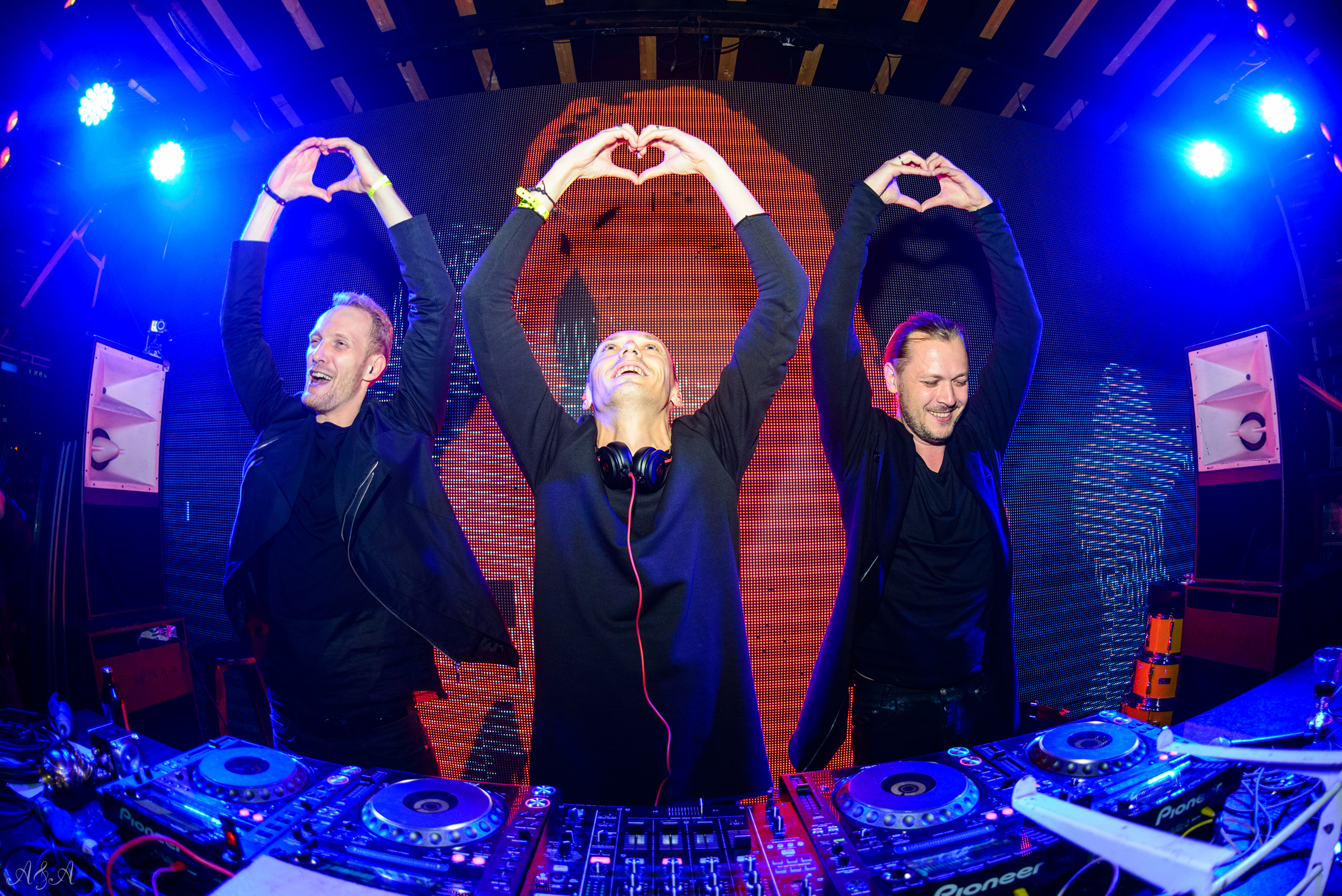 Swanky Tunes Images