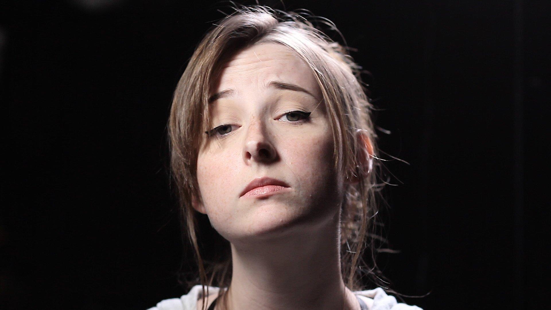 Tessa Violet Widescreen