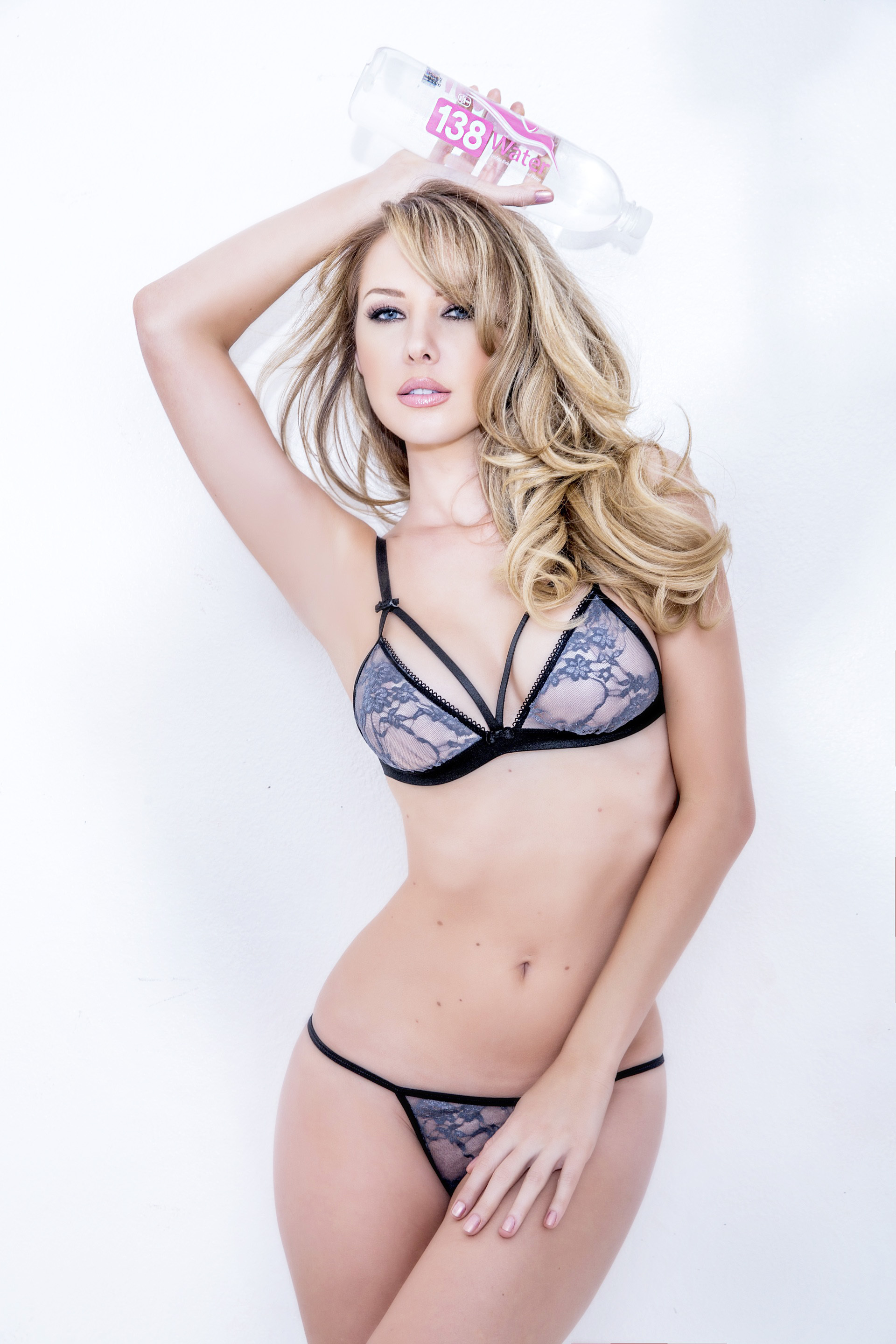 Tiffany Toth High Quality Wallpapers For Iphone