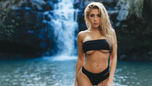 Valeria Orsini Sexy Wallpapers