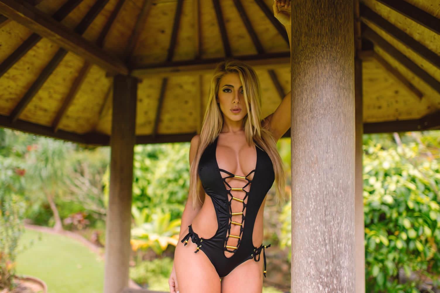 Valeria Orsini Hot