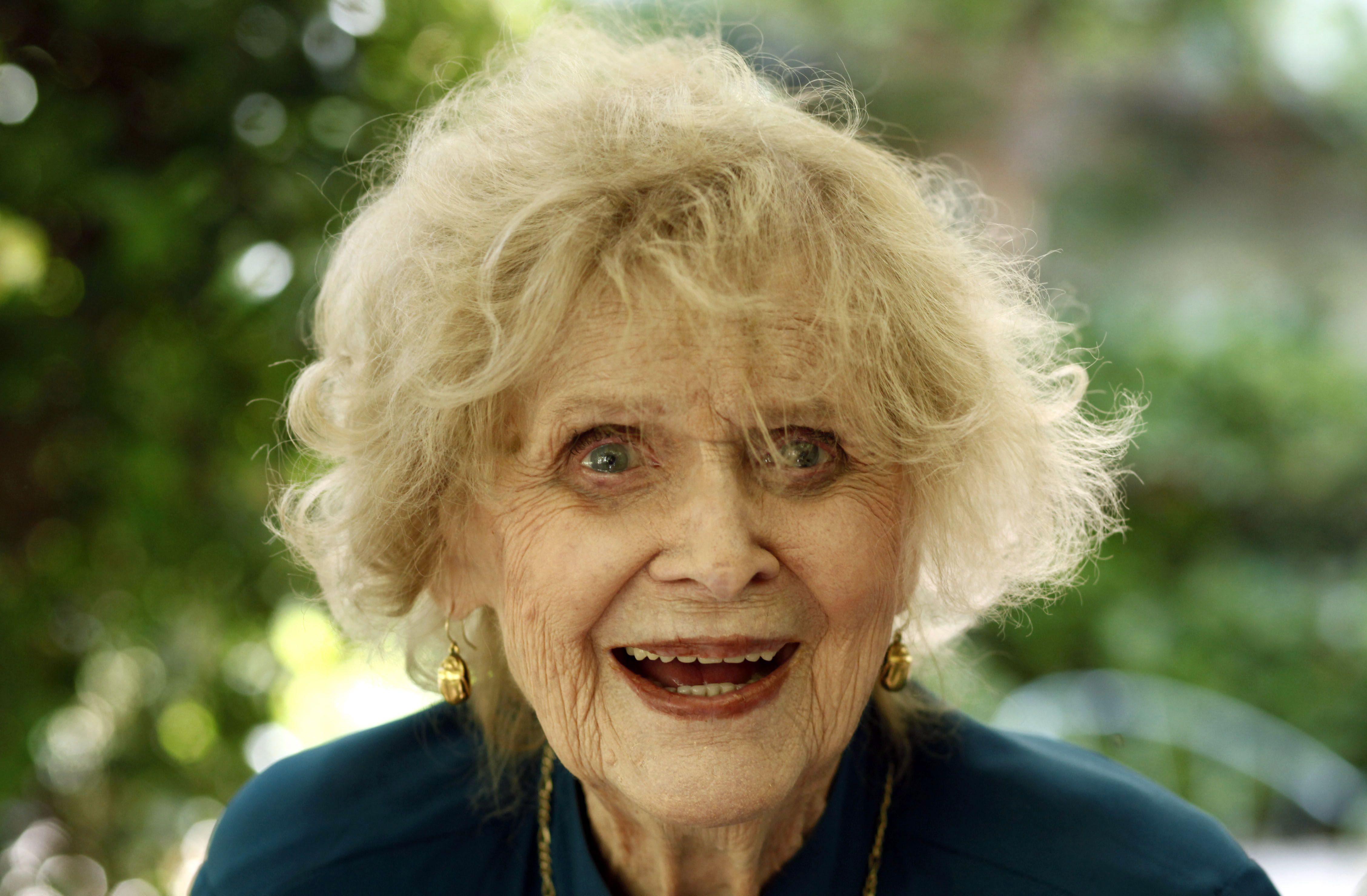 Gloria Stuart Widescreen