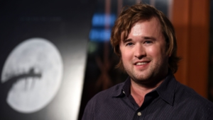 Haley Joel Osment Hd Background
