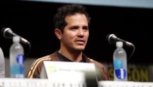 John Leguizamo Widescreen