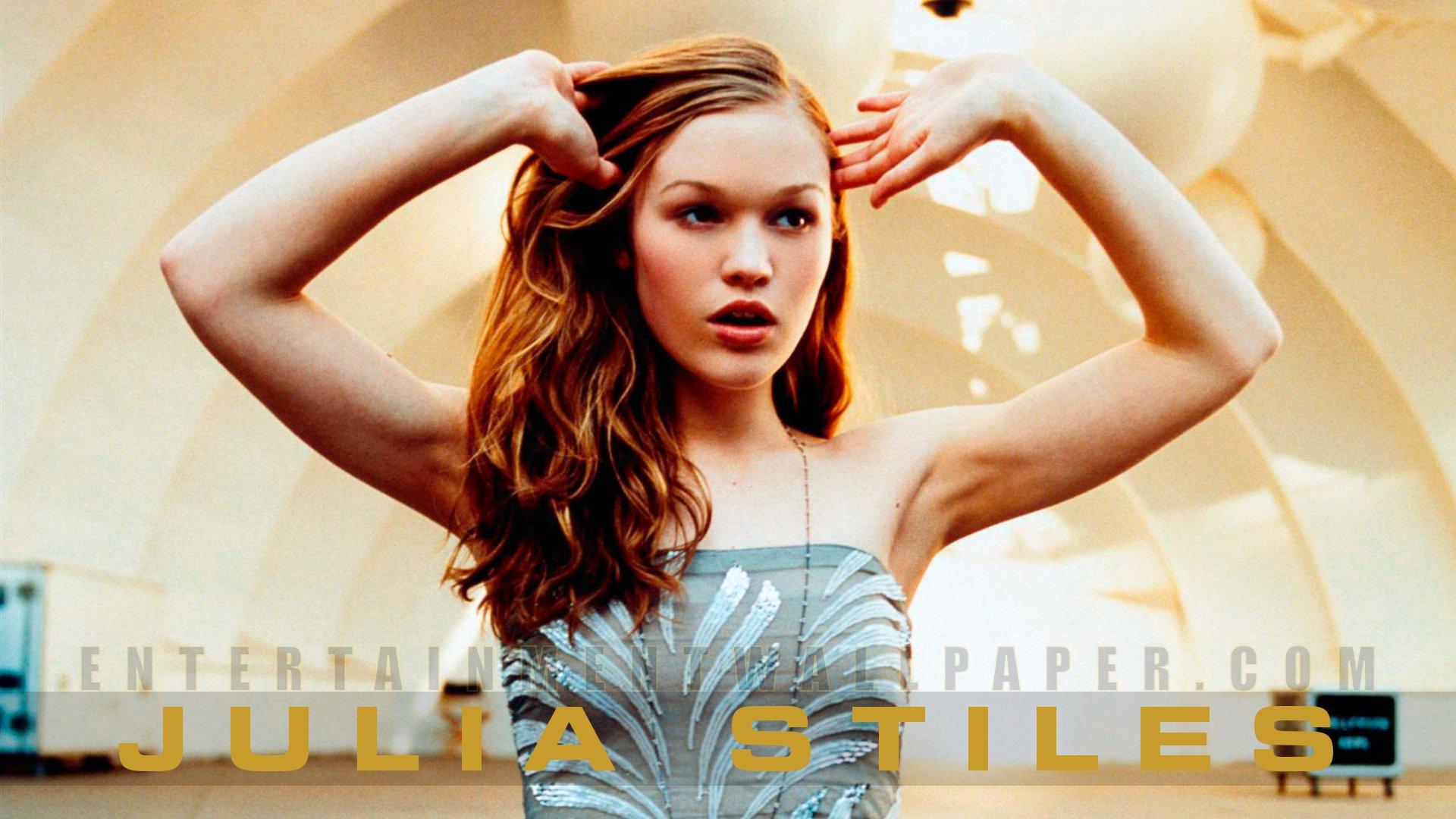 Julia Stiles Hd Wallpaper