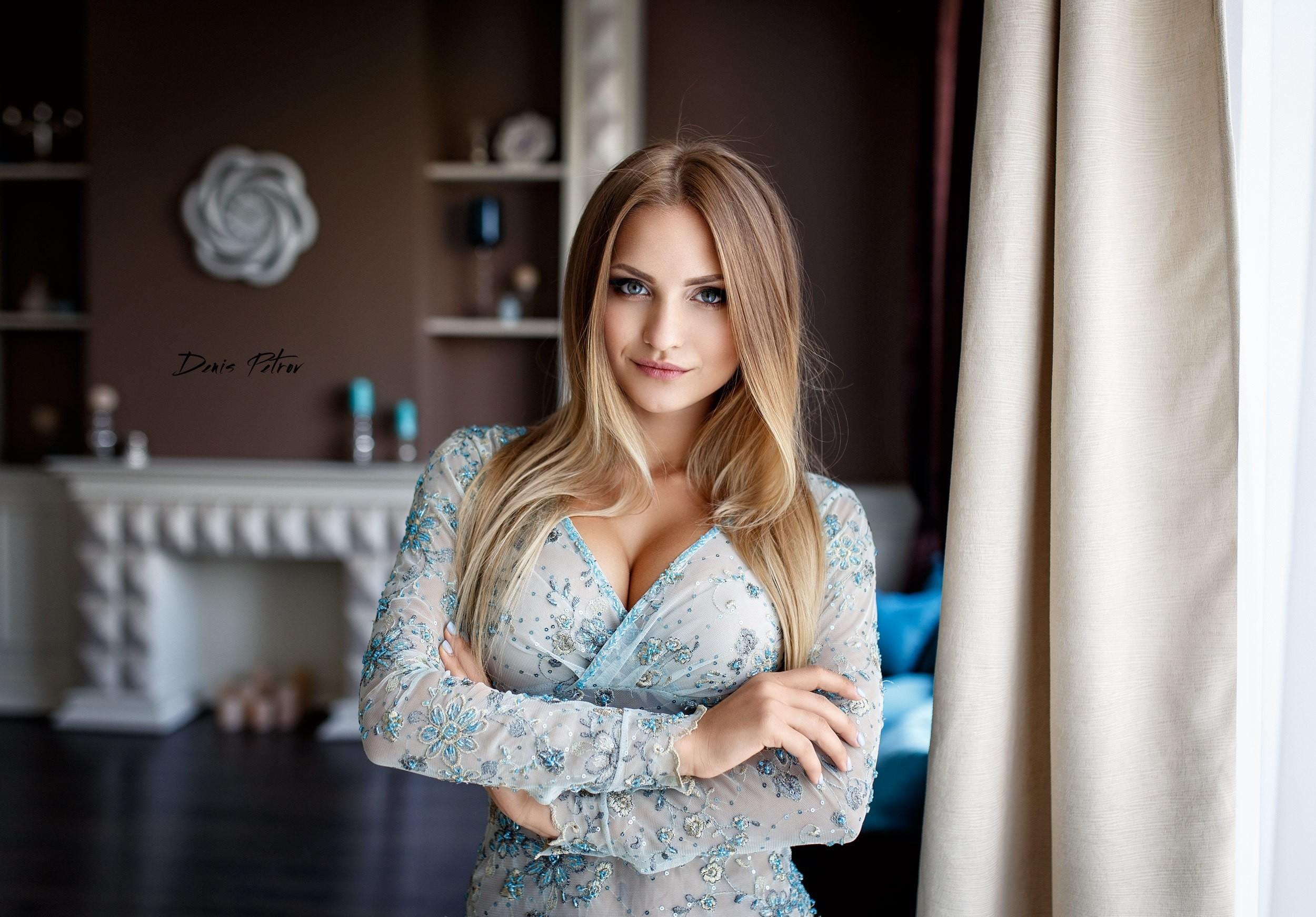 Anna Kondratova Wallpaper