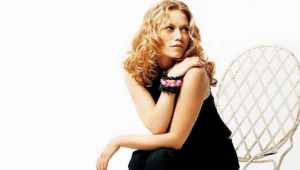 Bethany Joy Galeotti Hd Background